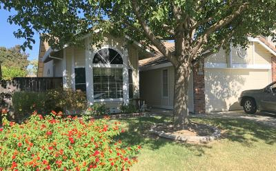 Elk Grove Single Family Home For Sale: 10217 Gatemont Circle