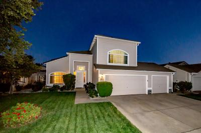 Elk Grove Single Family Home For Sale: 9061 Ancestor Drive