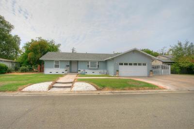 Sacramento Single Family Home For Sale: 2258 Pyramid Way