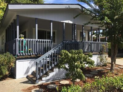Davis Single Family Home For Sale: 174 Inner Circle