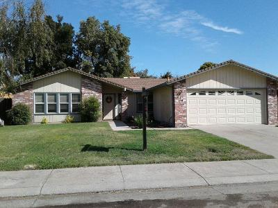 Stockton Single Family Home For Sale: 2619 Summerfield Drive