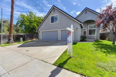 Sacramento Single Family Home For Sale: 8998 Robbins Road