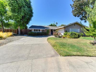 Sacramento County Single Family Home For Sale: 1231 Beard Way