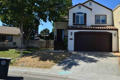 Elk Grove Single Family Home For Sale: 8849 Cadura Circle