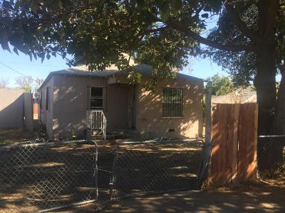 Modesto CA Single Family Home For Sale: $220,000