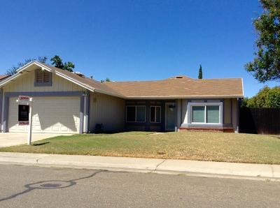 Sacramento CA Single Family Home For Sale: $329,000