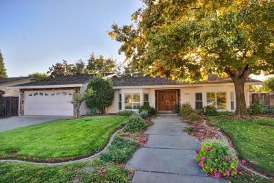 Sacramento Single Family Home For Sale: 1204 Lantern Court