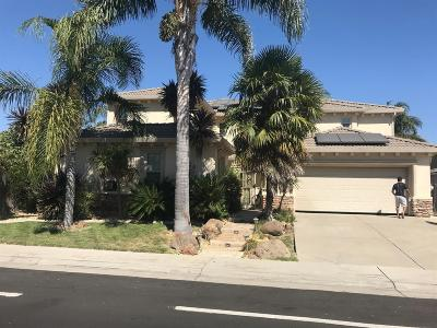 Elk Grove Single Family Home For Sale: 5819 Matina Drive