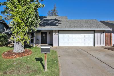 Sacramento Single Family Home For Sale: 7529 Soules Way