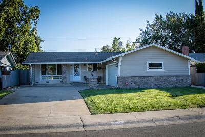 Sacramento Single Family Home For Sale: 8908 New Dawn Drive