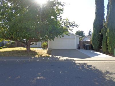 Sacramento CA Single Family Home For Sale: $280,000
