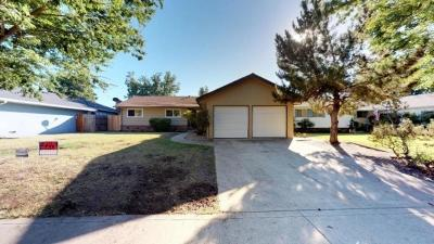 Stockton Single Family Home For Sale: 226 Leslie Avenue