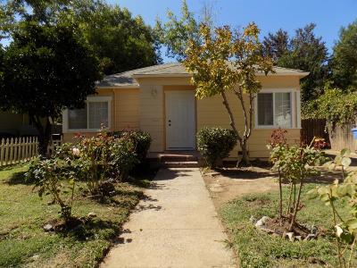 Sacramento CA Single Family Home For Sale: $299,000