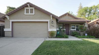 Citrus Heights Single Family Home For Sale: 7561 Sylvan Valley Way