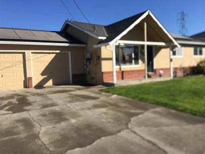 Manteca CA Single Family Home For Sale: $330,000