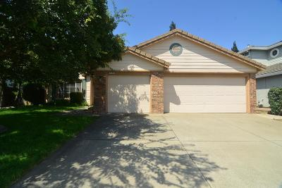 Single Family Home For Sale: 1326 Longfellow Circle