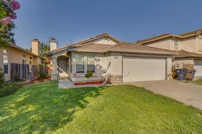 Elk Grove Single Family Home For Sale: 8237 Adelbert Way