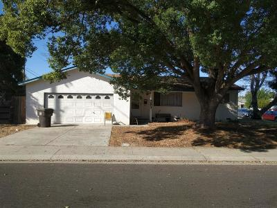 Manteca Single Family Home Active Short Sale: 403 West Eva Drive