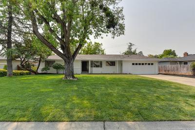 Sacramento Single Family Home For Sale: 1223 La Sierra Drive