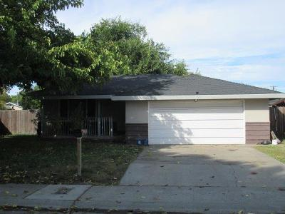 Sacramento CA Single Family Home For Sale: $250,000