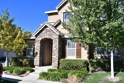 Riverbank Single Family Home For Sale: 5317 Cottage Cove Drive
