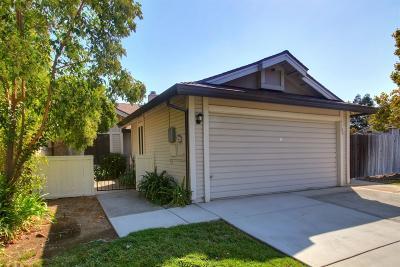 Elk Grove Single Family Home For Sale: 7100 Springmont Drive
