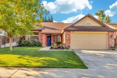Elk Grove Single Family Home For Sale: 5600 Ravine Creek Way