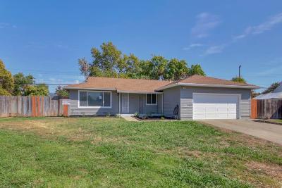 Sacramento Single Family Home For Sale: 4541 Ruskin Court