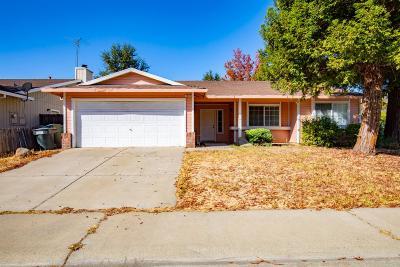 Sacramento CA Single Family Home For Sale: $350,000