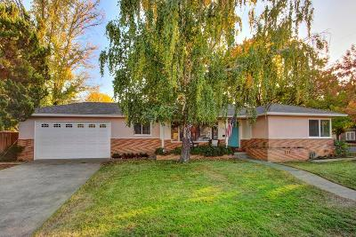 Sacramento Single Family Home For Sale: 6300 2nd Avenue