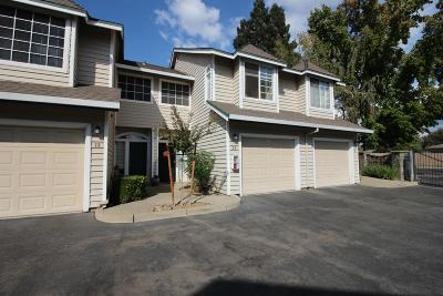Sacramento County Condo For Sale: 1049 Bell St.
