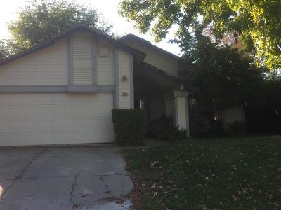 Sacramento Single Family Home For Sale: 3211 Rockhampton Drive