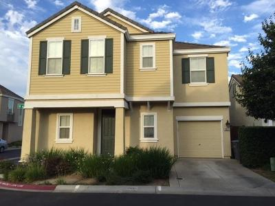 Elk Grove CA Single Family Home For Sale: $320,000