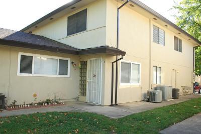 Sacramento Condo For Sale: 4540 Greenholme Drive
