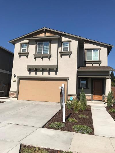 Sacramento CA Single Family Home For Sale: $449,950