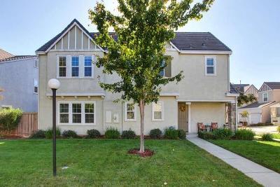 Sacramento Single Family Home For Sale: 3211 Tice Creek Way