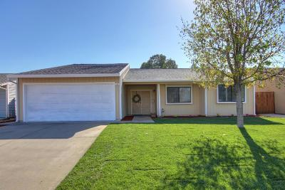 Sacramento Single Family Home For Sale: 8700 Pacific Hills Way