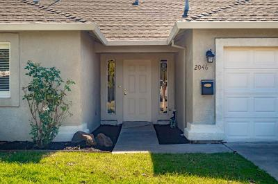 Single Family Home For Sale: 2046 Porter Way