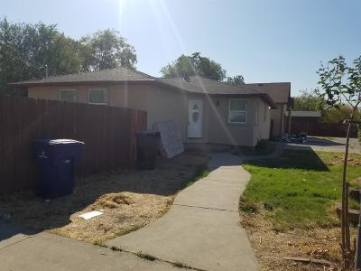 Sacramento Multi Family Home For Sale: 1942 Iris Avenue #1938