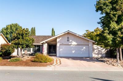 Elk Grove CA Single Family Home For Sale: $368,000