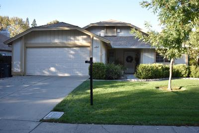 Sacramento Single Family Home For Sale: 1365 Senida Way