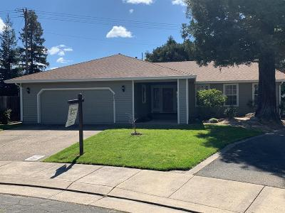 Lodi Single Family Home For Sale: 420 Yokuts Drive