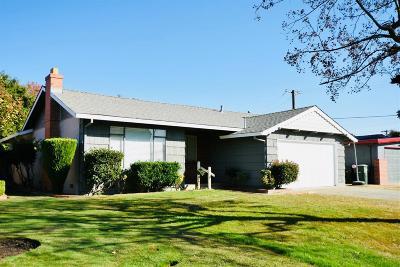 Sacramento Single Family Home For Sale: 5465 Lawrence Drive