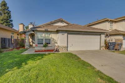 Elk Grove Single Family Home For Sale: 8237 Adelbert Way