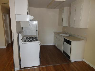 Sacramento County Multi Family Home For Sale: 131 Spruce Avenue #133