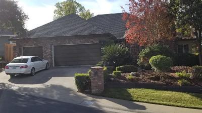 Single Family Home For Sale: 1003 Palos Verdes Court