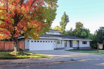 Fair Oaks Single Family Home For Sale: 4904 Hollycrest Way