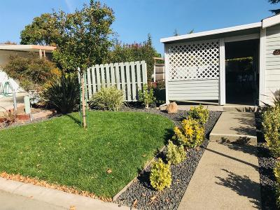 Citrus Heights Mobile/Manufactured For Sale: 6153 Oak Lakes Lane