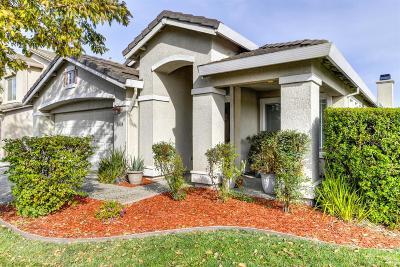 Single Family Home For Sale: 5304 Buckwood