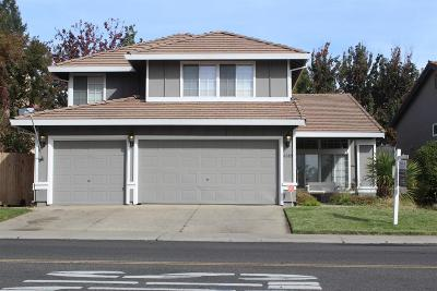 Elk Grove Single Family Home For Sale: 8885 Springhurst Drive